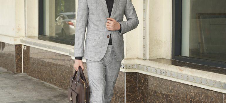 Kiểu dáng túi xách da nam màu nâu đơn giản đầy tinh tế