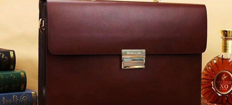 Tuyệt chiêu chọn túi xách da đựng laptop cho nam giới siêu hay
